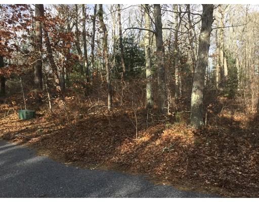 Additional photo for property listing at 29 Payamps Road  Mashpee, Massachusetts 02649 Estados Unidos