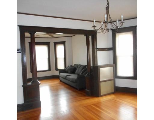Casa Unifamiliar por un Alquiler en 223 Watertown Street Watertown, Massachusetts 02472 Estados Unidos
