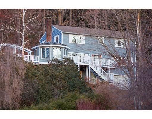 Maison unifamiliale pour l Vente à 127 Hillcrest Drive Bernardston, Massachusetts 01337 États-Unis
