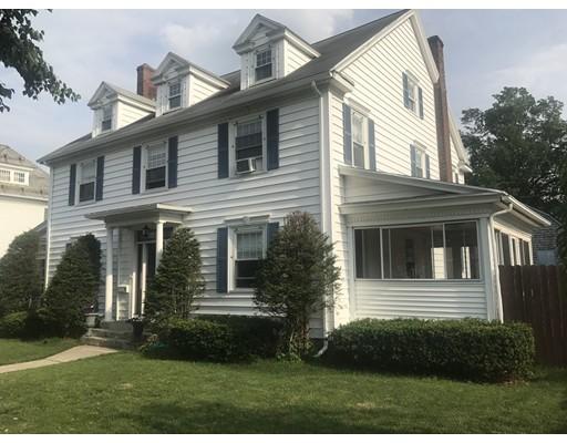 独户住宅 为 销售 在 20 Amherst Street Holyoke, 马萨诸塞州 01040 美国
