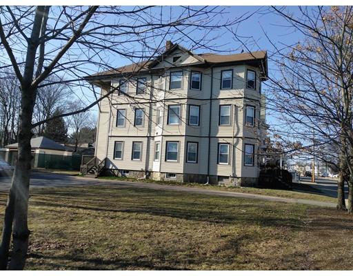 Casa Multifamiliar por un Venta en 622 N Main Street Brockton, Massachusetts 02301 Estados Unidos