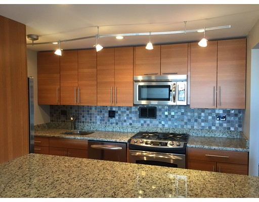 独户住宅 为 出租 在 8 Whittier place 波士顿, 马萨诸塞州 02114 美国