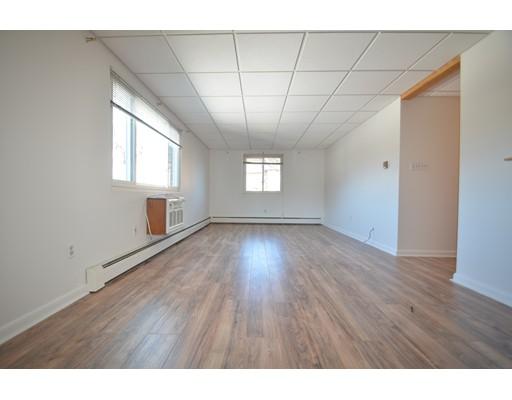 独户住宅 为 出租 在 215 Chelmsford Chelmsford, 马萨诸塞州 01824 美国
