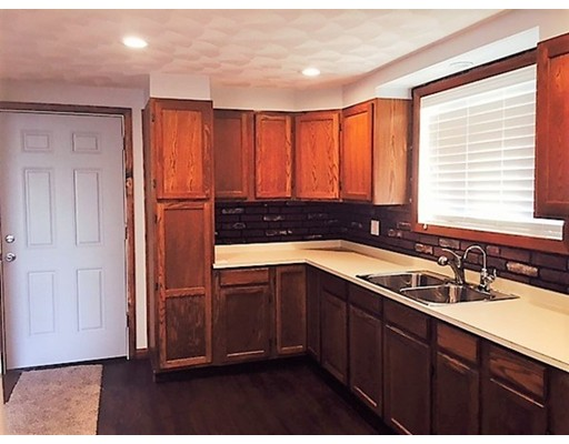 Additional photo for property listing at 213 Dwelly Street  Fall River, Massachusetts 02724 United States