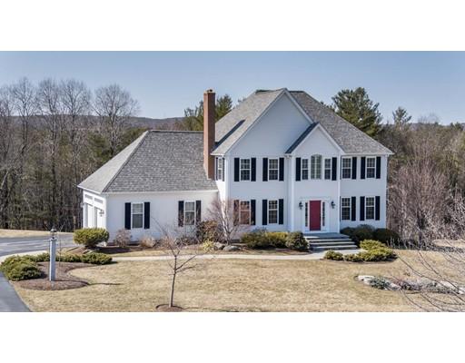 Casa Unifamiliar por un Venta en 8 Brook Hill Road Sturbridge, Massachusetts 01518 Estados Unidos