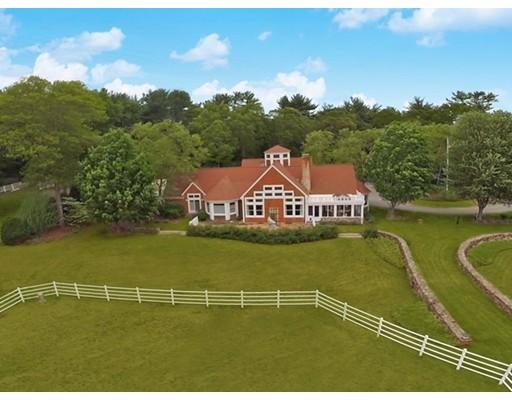 Частный односемейный дом для того Продажа на 136 Alden Street 136 Alden Street Duxbury, Массачусетс 02332 Соединенные Штаты
