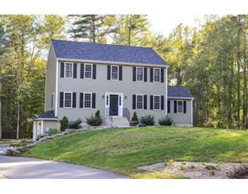 Частный односемейный дом для того Продажа на 69 Pond Street Halifax, Массачусетс 02338 Соединенные Штаты