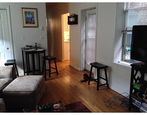 Casa Unifamiliar por un Alquiler en 95 Prince Boston, Massachusetts 02113 Estados Unidos