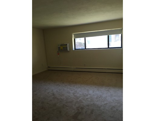 Additional photo for property listing at 880 East 4th Street  Boston, Massachusetts 02127 Estados Unidos