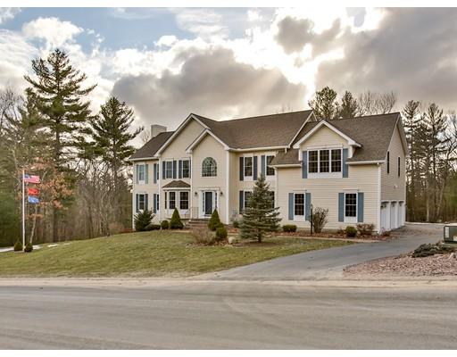Casa Unifamiliar por un Venta en 64 Lannan Pelham, Nueva Hampshire 03076 Estados Unidos