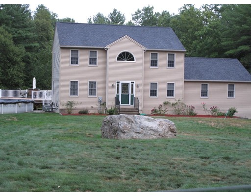 Single Family Home for Sale at 120 Daniels Drive East Brookfield, Massachusetts 01515 United States