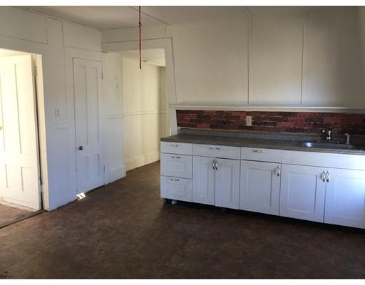 Casa Unifamiliar por un Alquiler en 176 East Main Orange, Massachusetts 01364 Estados Unidos