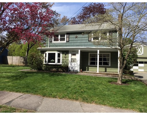 Single Family Home for Sale at 32 Juniper Drive Norwood, Massachusetts 02062 United States