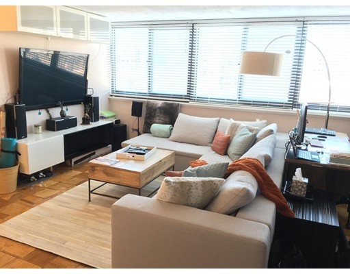 Additional photo for property listing at 9 Hawthorne Place  波士顿, 马萨诸塞州 02114 美国
