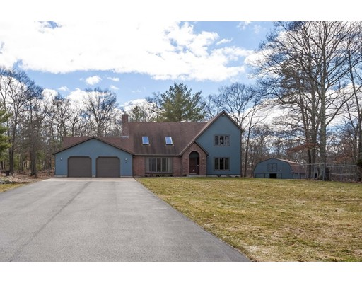 Single Family Home for Sale at 3 Appaloosa Court Seekonk, Massachusetts 02771 United States