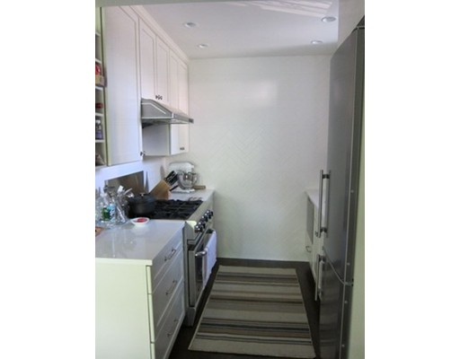 Additional photo for property listing at 7 Primus  Boston, Massachusetts 02114 Estados Unidos