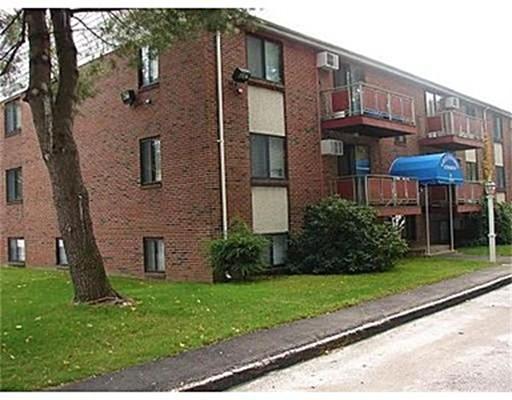 独户住宅 为 出租 在 328 Greenwood Street 伍斯特, 马萨诸塞州 01607 美国