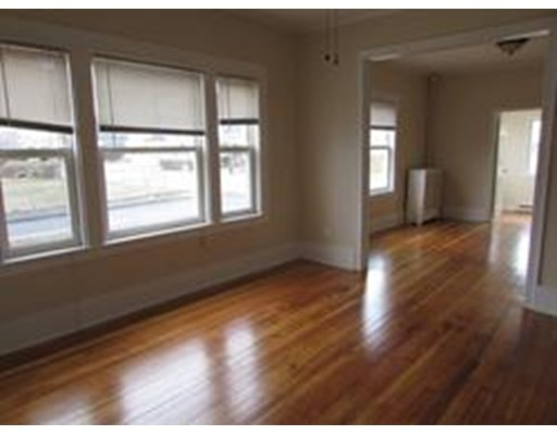 Additional photo for property listing at 154 Broadway  Taunton, 马萨诸塞州 02780 美国
