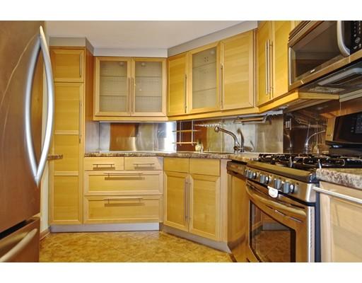 Casa Unifamiliar por un Alquiler en 22 Chestnut Place Brookline, Massachusetts 02445 Estados Unidos