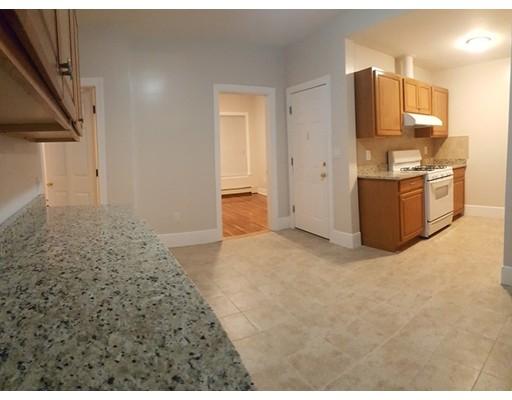 Casa Unifamiliar por un Alquiler en 17 Sewall Somerville, Massachusetts 02148 Estados Unidos