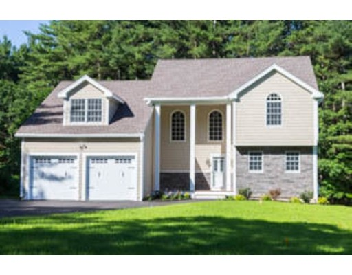 Single Family Home for Sale at 126 N. Common Westminster, Massachusetts 01473 United States