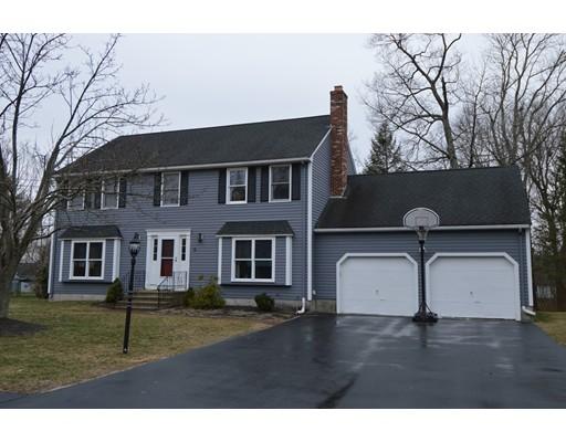 Maison unifamiliale pour l Vente à 9 Tammie Road Hopedale, Massachusetts 01747 États-Unis