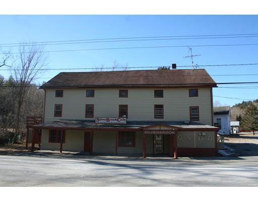 Casa Multifamiliar por un Venta en 57 Sandisfield Road Sandisfield, Massachusetts 01255 Estados Unidos