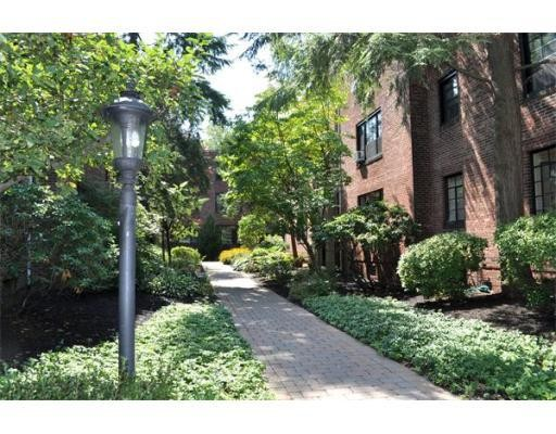 独户住宅 为 出租 在 92 Marion Street 布鲁克莱恩, 马萨诸塞州 02446 美国