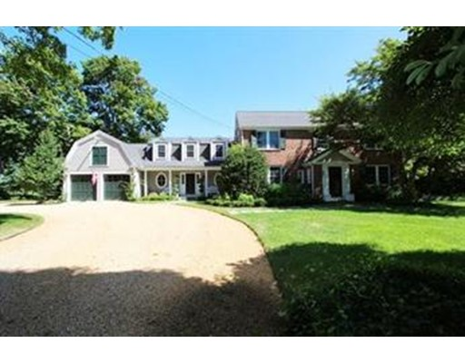 Casa Unifamiliar por un Venta en 797 High Street Dedham, Massachusetts 02026 Estados Unidos