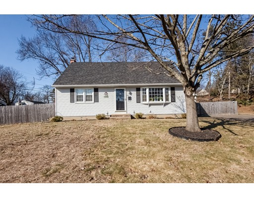 Single Family Home for Sale at 1 Queen Street Enfield, Connecticut 06082 United States