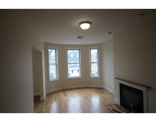 Additional photo for property listing at 198 W Broadway  Boston, Massachusetts 02127 United States