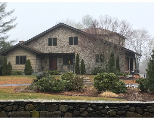 Single Family Home for Sale at 382 New Boston Road Acushnet, Massachusetts 02743 United States