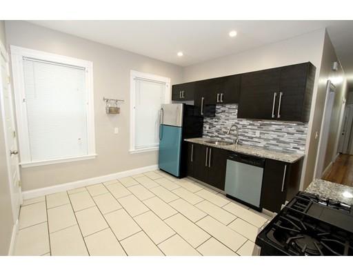 Casa Unifamiliar por un Alquiler en 35 Harborview Street Boston, Massachusetts 02125 Estados Unidos