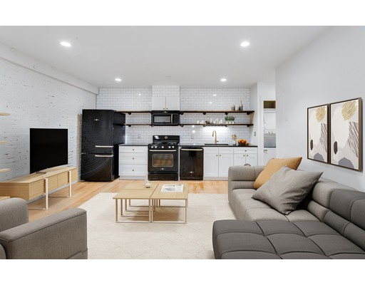 Additional photo for property listing at 280 North Street  Boston, Massachusetts 02113 United States