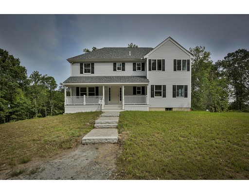 Single Family Home for Sale at 6 Abbey Road 6 Abbey Road Merrimac, Massachusetts 01860 United States