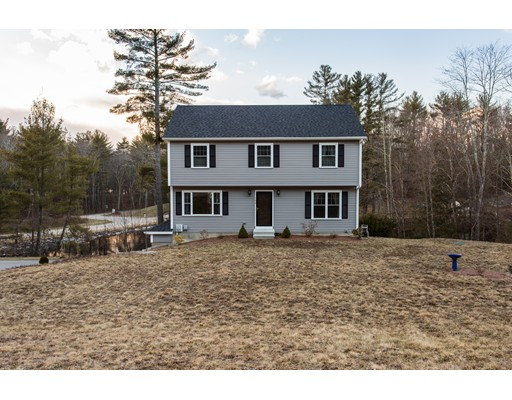 Single Family Home for Sale at 102 Pondview Road East Brookfield, Massachusetts 01515 United States