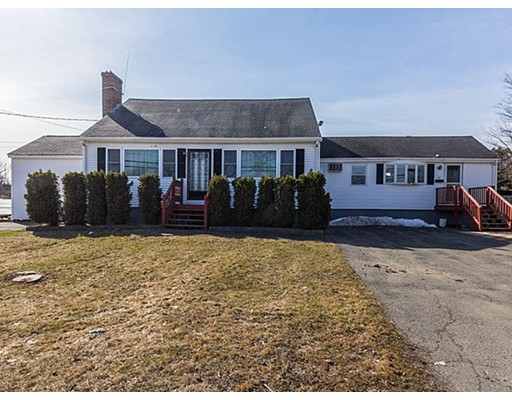 38 Russell St, Peabody, MA 01960