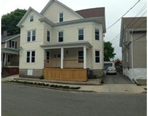 Casa Unifamiliar por un Alquiler en 131 Willis Street New Bedford, Massachusetts 02746 Estados Unidos