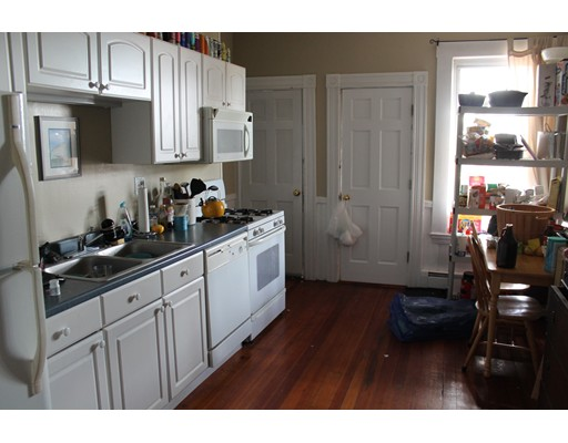 Additional photo for property listing at 497 E 6th Street  Boston, Massachusetts 02127 United States