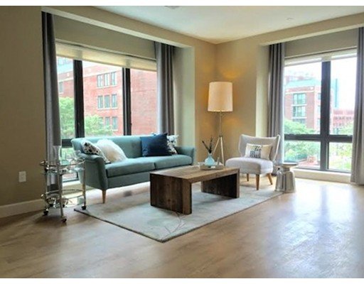 Additional photo for property listing at 33 Rogers Street  Cambridge, Massachusetts 02142 United States