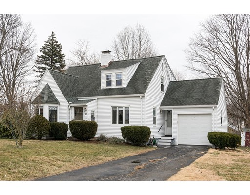 27 Neighbors Ln, Waltham, MA 02453