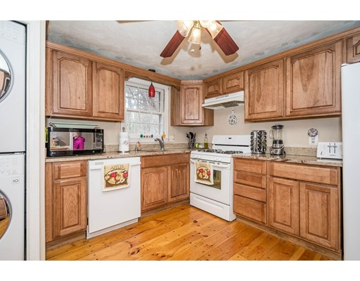 31 Burlington Ave, Wilmington, MA 01887