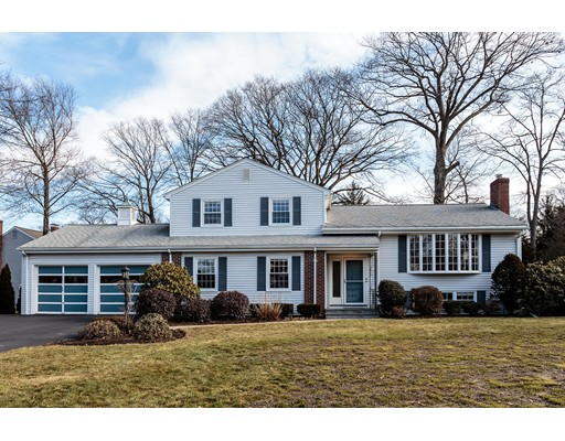 Casa Unifamiliar por un Venta en 111 Stony Brook Road Belmont, Massachusetts 02478 Estados Unidos