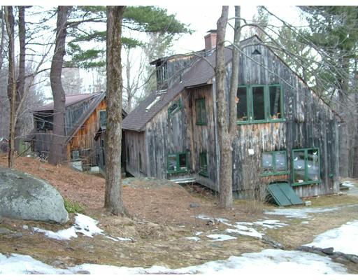 Частный односемейный дом для того Продажа на 846 West Road Ashfield, Массачусетс 01330 Соединенные Штаты