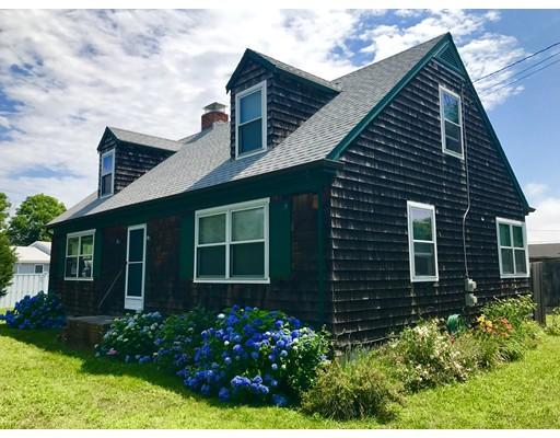 Maison unifamiliale pour l Vente à 2 Windward Way Mattapoisett, Massachusetts 02739 États-Unis