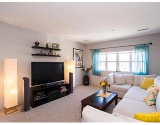 Casa Unifamiliar por un Alquiler en 211 Central Street Norwood, Massachusetts 02062 Estados Unidos