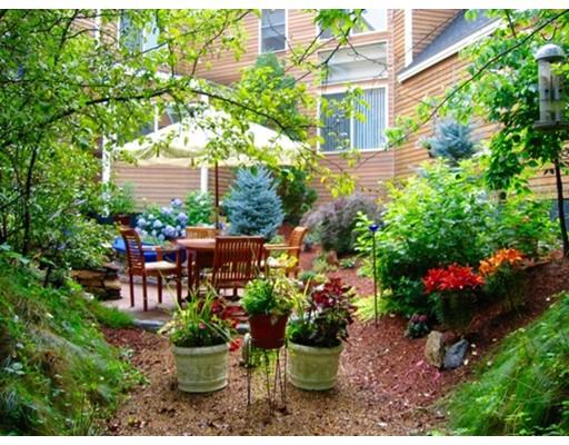 Appartement en copropriété pour l Vente à 17 Deer Path #17 17 Deer Path #17 Hudson, Massachusetts 01749 États-Unis