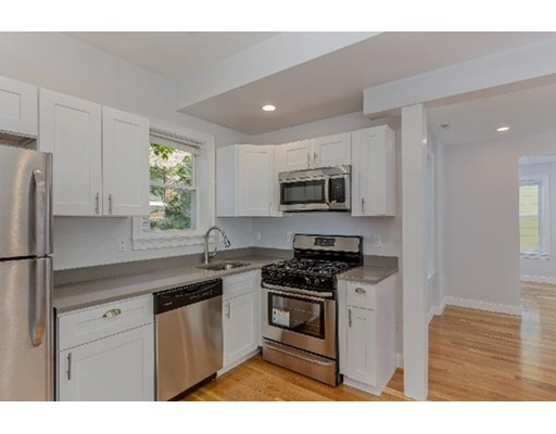 Additional photo for property listing at 721 Parker Street  Boston, Massachusetts 02120 Estados Unidos