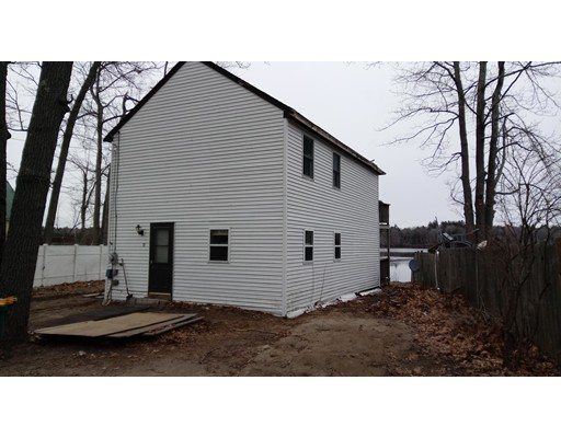 Single Family Home for Sale at 19 Maple Street Kingston, New Hampshire 03848 United States