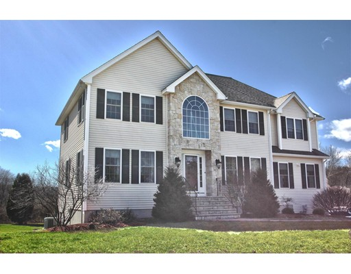 Single Family Home for Sale at 3 Castle Drive Methuen, Massachusetts 01844 United States